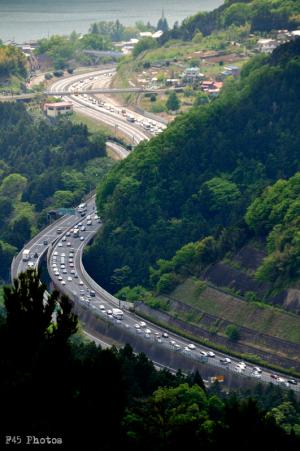 渋滞の中央高速