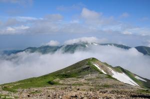 雪倉岳から見た朝日岳